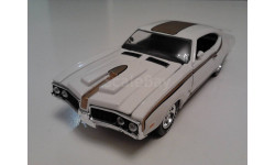 Oldsmobile Cutlass 442 Hurst 1969г. (Road Champs), масштабная модель, scale43