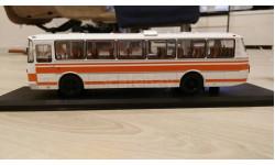 ЛАЗ-699Р бело-оранжевый