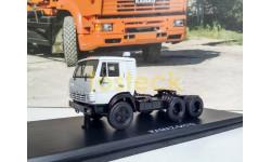 КАМАЗ-54112 седельный тягач - светлая дымка 1:43