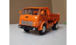 МАЗ 5549 самосвал оранжевый 'Северный вариант'