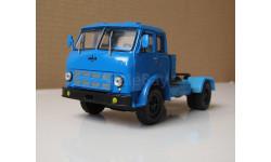 МАЗ 504А тягач синий