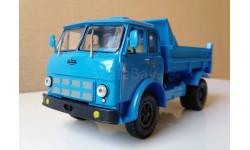 МАЗ 503А самосвал голубой