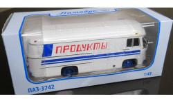 Модель ПАЗ-3742 рефрижератор 'Продукты' 1/43 СОВА, масштабная модель, 1:43