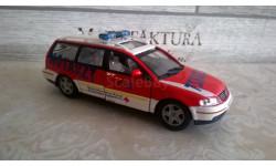 скорая помощь ( ambulance - notarzt) фольксваген пассат, масштабная модель, Volkswagen, 1:43, 1/43