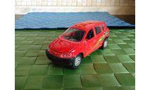 Toyota ~Previa red правый руль, масштабная модель, 1:35, 1/35