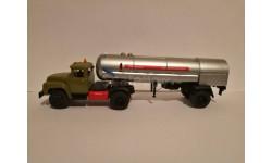 ЗИЛ 130В1 с газозаправочным полуприцепом-цистерной АППЦТ-12-885М