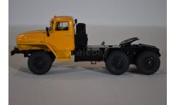 Миасский грузовик 44202 седельный тягач 6х6