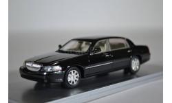 Lincoln Town Car 2012 Black