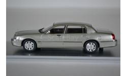 Lincoln Town Car 2012 Silver Birch Metallic, масштабная модель, Luxury, scale43