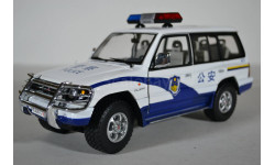 Mitsubishi Pajero Long 3.5 V6 China Police (GongAn), масштабная модель, Sunstar, scale18