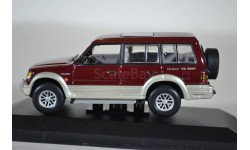 Mitsubishi Pajero II LWB 5d 1991 red met., масштабная модель, Minichamps, scale43