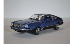 Ford -  1976 Ford Mustang II Mach 1 - Blue w-Black, масштабная модель, 1:18, 1/18, Greenlight Collectibles