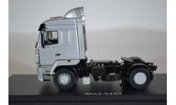 МАЗ-5440 седельный тягач, серебристый металлик