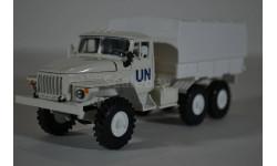 4320 с тентом и надписью ООН, масштабная модель, Элекон, scale43