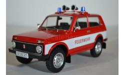 ВАЗ 2121 LADA NIVA 1600 4X4 FEUERWEHR (пожарный) 1985 красный, масштабная модель, IST Models, scale18