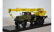 Автокран КС-3575 (на шасси КРАЗ-255Б1), хаки желтый, масштабная модель, Start Scale Models (SSM), scale43