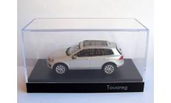 Распродажа! VW Touareg 2015 серебристый Herpa 1:43 дилерский