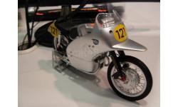 модель 1/10 гоночного мотоцикла NSU Rennmax Schuco
