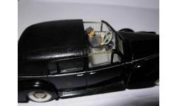 модель 1/43 Cadillac V16 1938 Landaulet Papst Pius XII Rextoys France металл с фигуркой