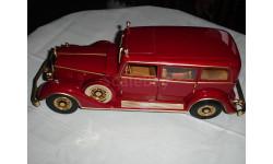модель 1/18 Cadillac 1932 Deluxe Tudor PUI Sun Star металл