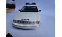 модель 1/18 Chevrolet Caprise Brossard Police Canada полиция UT, масштабная модель, 1:18, UT Models