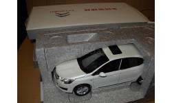 модель 1/18 Citroen C4L 2013 Paudi металл, масштабная модель, 1:18, Paudi Models, Citroën