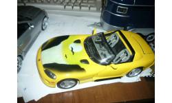 модель 1/18 Dodge Viper с аэрографией! Burago металл