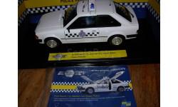 модель 1/18 полицейский Ford Escort 1.1L Popular Section Car Essex Police Model Icons 1:18, масштабная модель