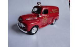 1/25 модель пожарного фургона США/USA Ford F-1 1948 Liberty Classics металл