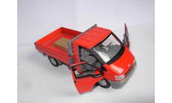 модель 1/43 грузовик Ford Transit бортовой металл 1:43