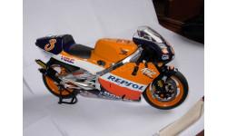 модель 1/12 гоночный мотоцикл HONDA - NSR500 TEAM REPSOL N 3 500cc WORLD CHAMPION 1999 ALEX CRIVILLE Altaya металл 1:12