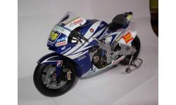 модель 1/12 гоночный мотоцикл HONDA - RC212V N 24 MOTOGP 2007 TONI ELIAS  Altaya металл