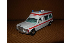 модель 1/36 Mercedes Benz MB Bonna 2500 Ambulance Falck W123 медицинский Corgi металл 1:36 Mercedes-Benz Мерседес