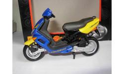 1/18 модель мотоцикл скутер PEUGEOT SPEEDFIGHT Maisto металл 1:18