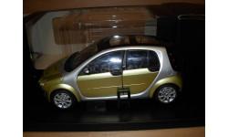 модель 1:18 Smart Forfour Kyosho 1/18