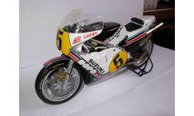 модель 1/12 гоночный мотоцикл SUZUKI - RGT500 N 5 500cc WORLD CHAMPION 1981 MARCO LUCCHINELLI Altaya металл 1:12, масштабная модель мотоцикла