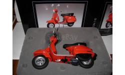 1/10 модель мотороллер/скутер Vespa PX125 Schuco металл