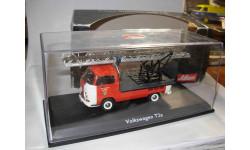 модель 1/43 пожарный Volkswagen VW T2a автолестница Schuco металл 1:43, масштабная модель