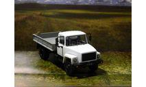 ГАЗ-33083 'Земляк' 4х4 - белый/серый 1/43, масштабная модель, Автолегенды СССР журнал от DeAgostini, scale43