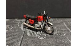 Иж 'Планета 5' мотоцикл - поздний красный/хром крылья - 1/43