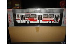 Лиаз-5256.00 (бело-красный) Classicbus