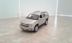 Chevrolet Tahoe ... (Welly)...