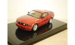 Ford Mustang GT 2005 (AutoArt)