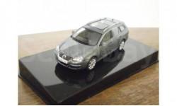 VW Golf Variant (AutoArt)