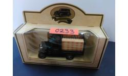 0233. Ford T 1/50 фирмы Lledo. Made in England. В оригинальной упаковке.