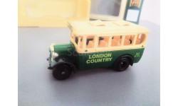 2267. Модель лондонского пригородного автобуса Dennis, Lledo, Англия.
