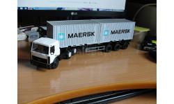 МАЗ-6422 с полуприцепом-контейнеровозом МАЗ-938920