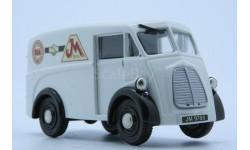 Morris J type Van.