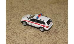 BMW X 5 -- Notarzt -- = Cararama = 1-72