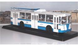 ЗИУ 682Б бело-голубой SSM, масштабная модель, 1:43, 1/43, Start Scale Models (SSM)